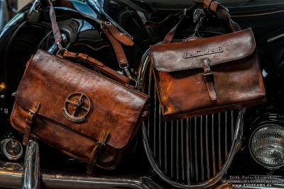 Tasche große Variante 2 Laschen / Kleine Variante 1 Lasche / Limited-Legends © Dirk Patschkowski