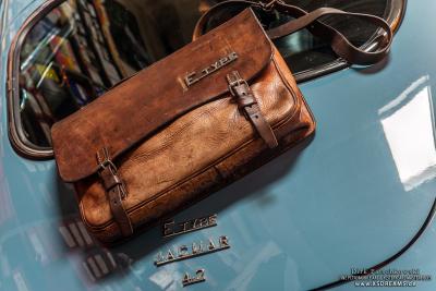 Tasche mit Original Jaguar E-Type Emblem / Limited-Legends © Dirk Patschkowski
