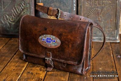 Tasche mit Original Chevrolet Emblem / Limited-Legends © Dirk Patschkowski