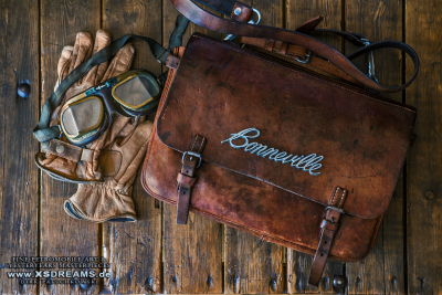 Tasche mit Original Bonneville Emblem / © Dirk Patschkowski / SOLD
