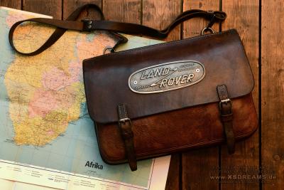 Tasche mit Original Land Rover Emblem / Limited-Legends © Dirk Patschkowski