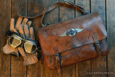 Tasche mit Original Morgan Emblem / Limited-Legends © Dirk Patschkowski