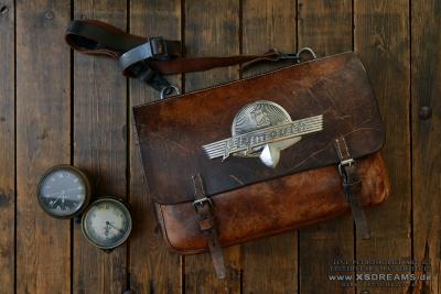 Tasche mit Original Plymouth Emblem / Limited-Legends © Dirk Patschkowski