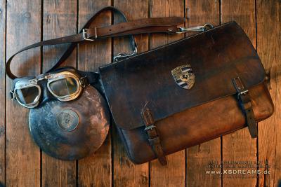 Tasche mit Original Porsche Emblem/ Limited-Legends © Dirk Patschkowski