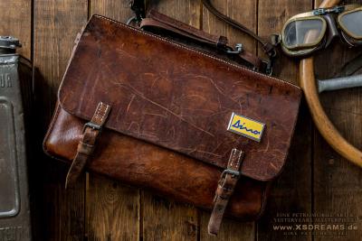 Tasche von 1939 mit Original DINO Emblem / Preis: 1250,-€ Limited-Legends © Dirk Patschkowski