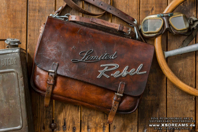 Tasche mit Original Emblemen Limited Rebel / Preis: 1180,-€ / Limited-Legends © Dirk Patschkowski