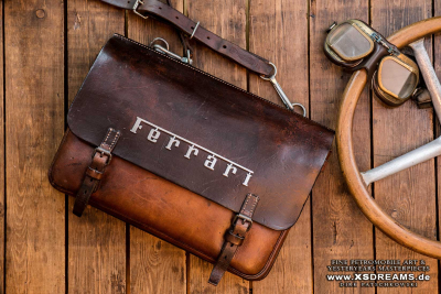 Tasche mit Original Ferrari-Emblem // Limited-Legends © Dirk Patschkowski