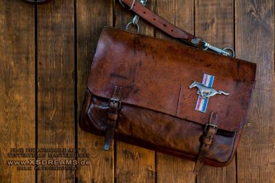 Tasche mit Original Mustang Emblem / Limited-Legends © Dirk Patschkowski