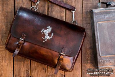 Tasche mit Original Ferrari Emblem / / Limited-Legends © Dirk Patschkowski