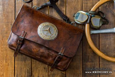 Tasche mit Original Mercedes Emblem / Limited-Legends © Dirk Patschkowski